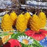 """Новогодняя восковая свеча """"Кедровая шишка"""" из натурального пчелиного воска, фото 6"""