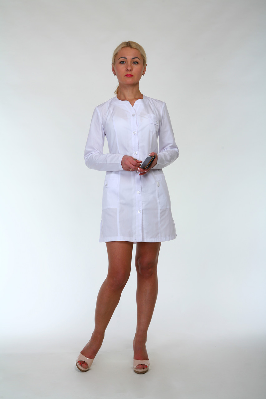Белый классический медицинский халат с длинным рукавом