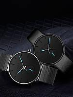 Часы на руку на металическом ремешке черные