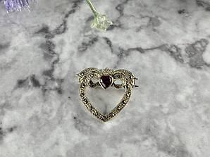 Серебряная Брошь с красной Шпинелью и камнями Морион  925 проба
