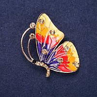 Брошь Бабочка с желтыми стразами желтый, красный и фиолетовый цвет эмали 45х32мм желтый металл