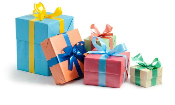 Что подарить ребёнку на Новый год? ТОП10 детских подарков. Как выбрать полезный подарок для своего ребёнка, крестника, племянника или младшей сестры.