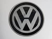 Антиковзаючий силіконовий килимок на торпедо з логотипом Volkswagen