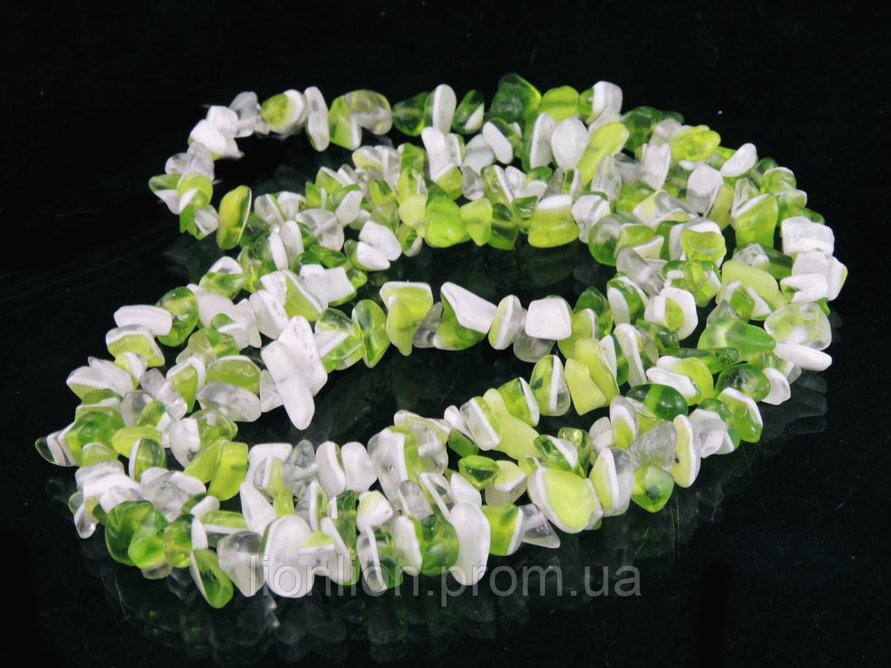 Крошка из агата 90см, бело-салатовая