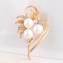 Жіноча брошка Pearls gold