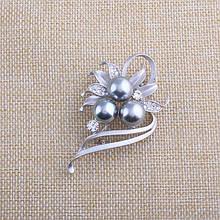 Жіноча брошка Pearls silver