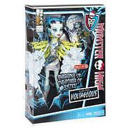 Кукла Монстер Хай Фрэнки Штейн Супергерои Monster High Exclusive Power Ghouls Frankie Stein as Voltageous, фото 3