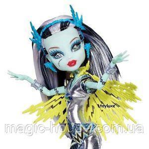 Фрэнки Штейн Супергерои Кукла Монстер Хай Monster High Exclusive Power Ghouls Frankie Stein as Voltageous