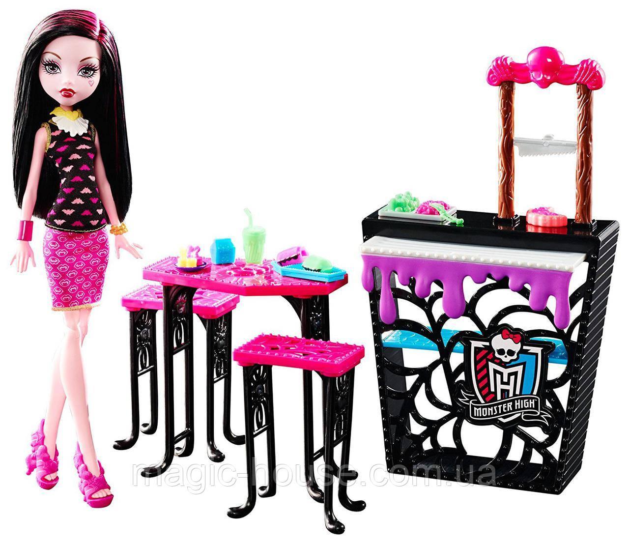 Игровой набор Дракулаура и Кафе Крипатерия  Monster High Beast Bites Cafe Draculaura Doll & Play
