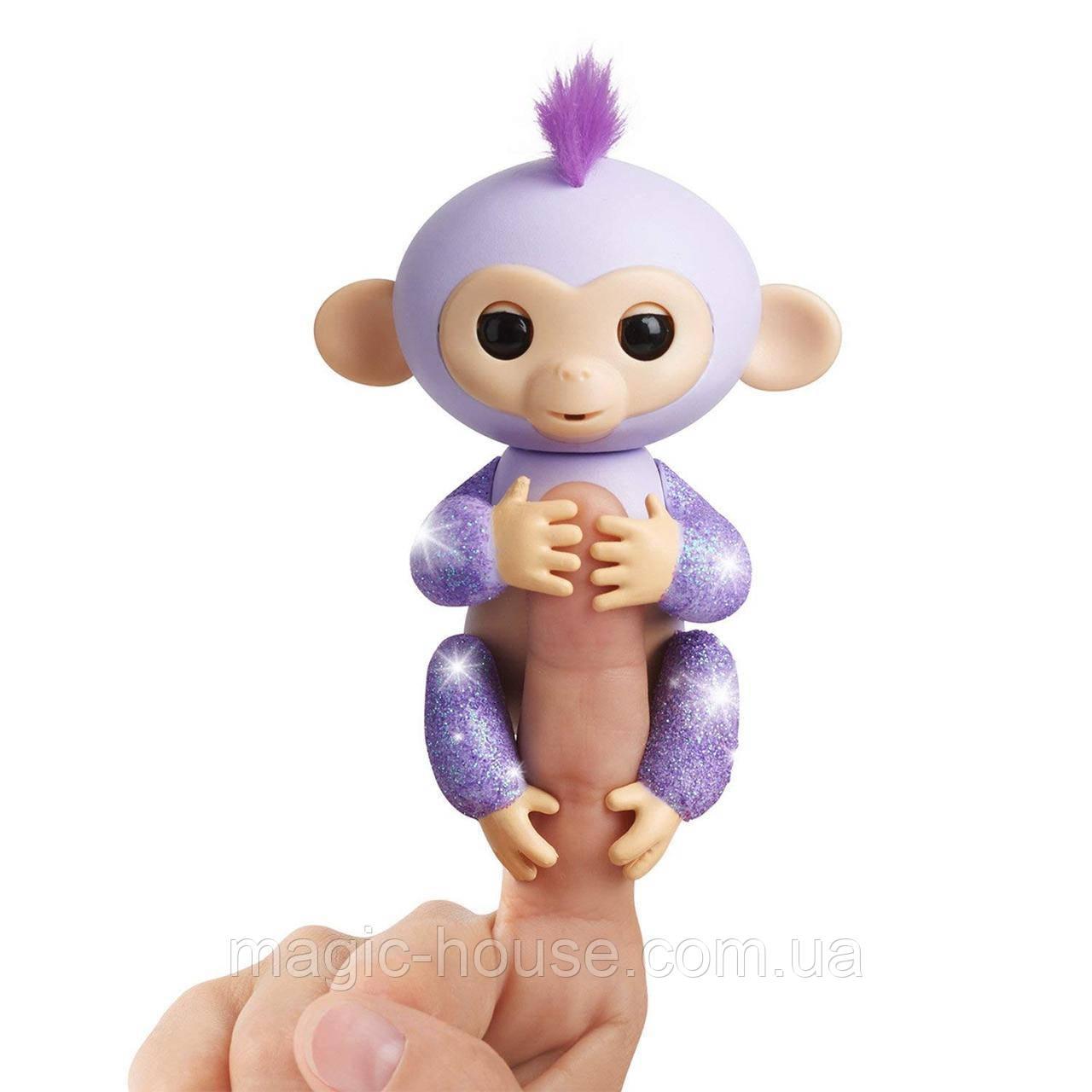 Оригинальная интерактивная ручная обезьянка Кики Блестящая Wow Wee Fingerlings Glitter Monkey Kiki (Purple Gli