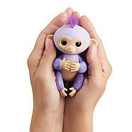 Оригинальная интерактивная ручная обезьянка Кики Блестящая Wow Wee Fingerlings Glitter Monkey Kiki (Purple Gli, фото 6