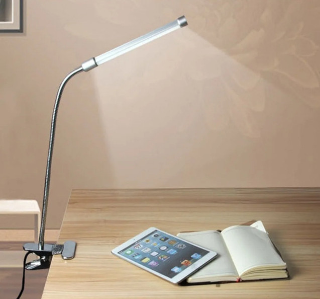 LED лампа на прищепке с гибкой ногой