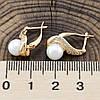 Серьги 25744, размер 16*9 мм, искусственный жемчуг, вес 3.2 г, позолота 18К, фото 2