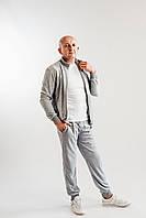 Велюровый спортивный костюм мужской батальных и полубатальных размеров светло-серого цвета с стойкой