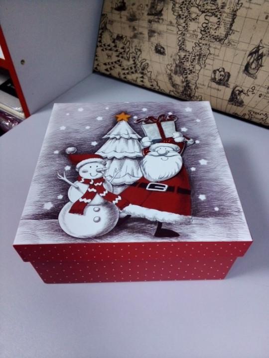 Коробочка подарочная квадратная с рисунком дед мороз со снеговиком 18 см