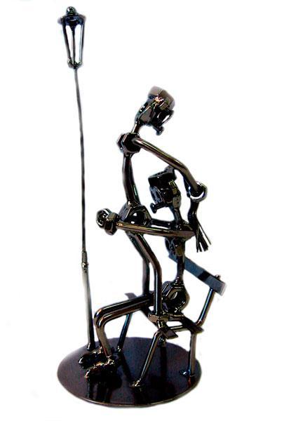 """Техно-арт статуэтка из металла """"Любовь в парке"""""""