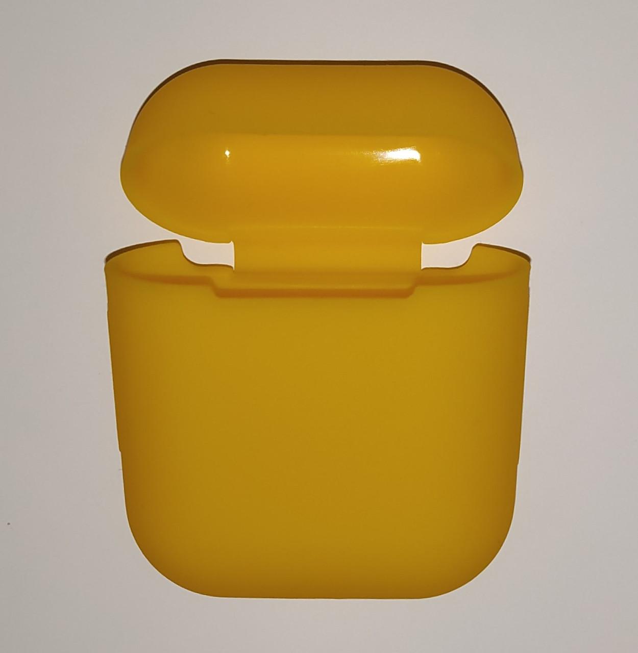 Чехол на AirPods темно-желтый, силиконовый