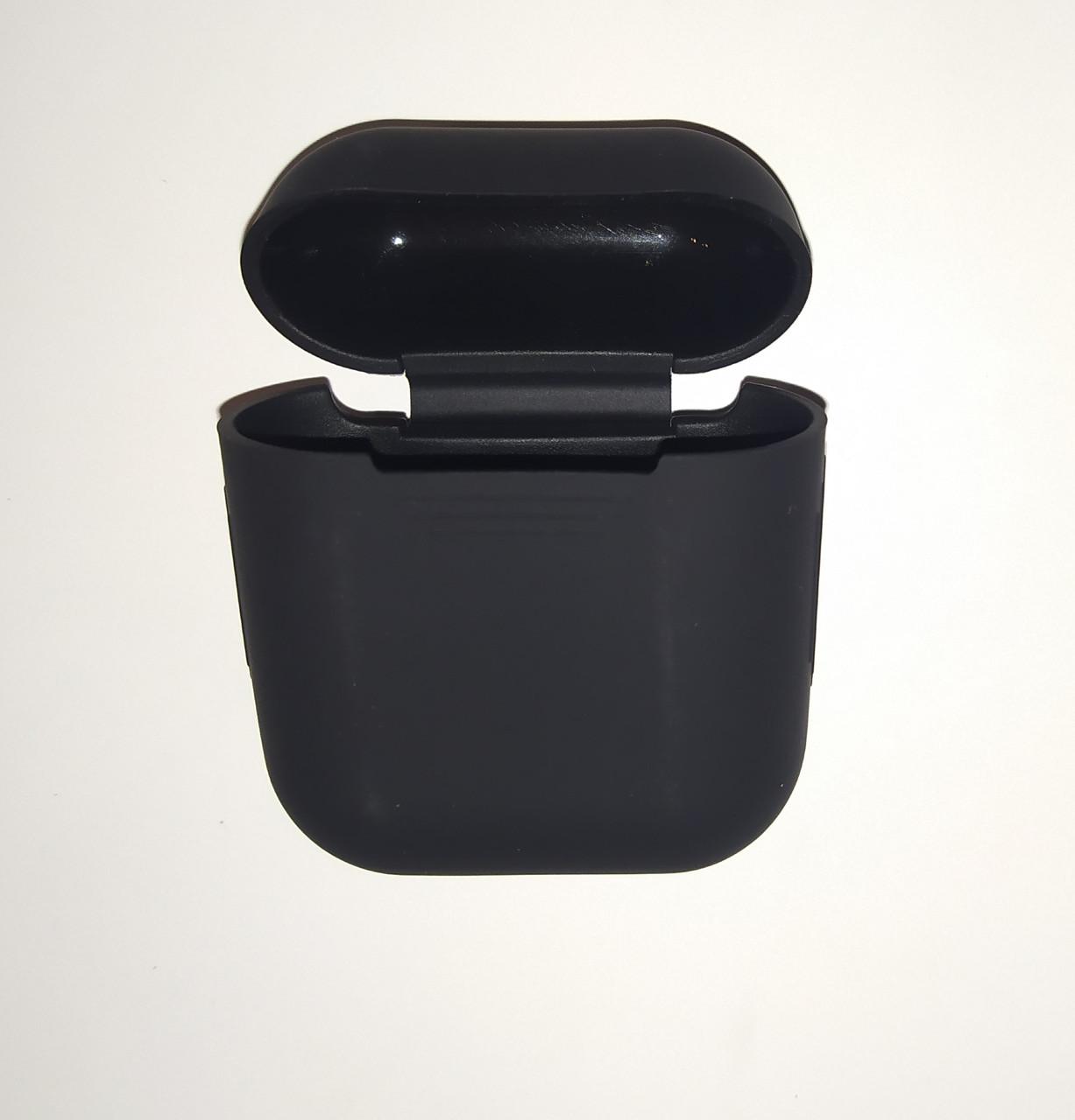 Чехол на AirPods черный, силиконовый