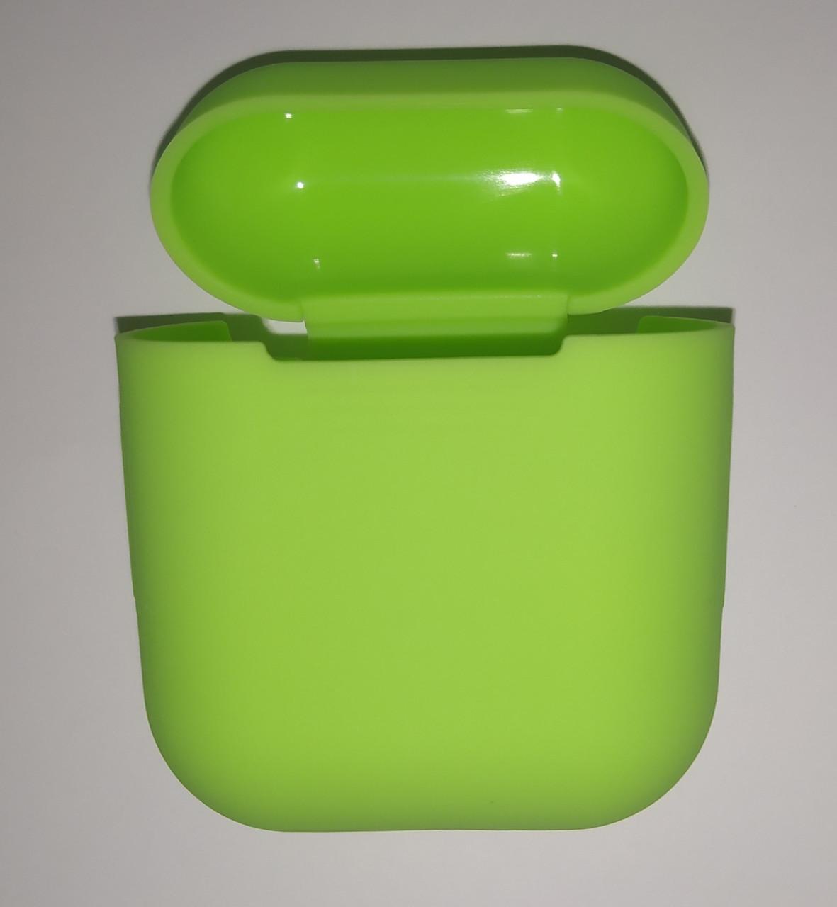 Чехол на AirPods салатный, силиконовый