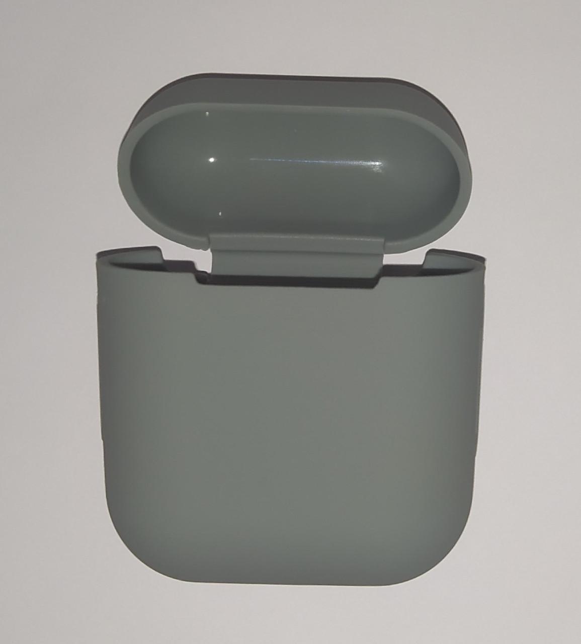 Чехол на AirPods светло-серый, силиконовый