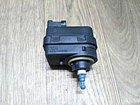 Корректор фар Renault Trafic, Opel Vivaro 2006-2014, 7700415343 (Б/У)