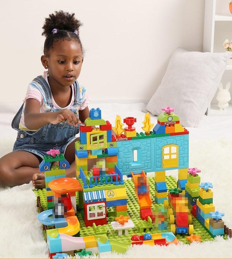 Развивающий конструктор Парк развлечений Tumama 211 детали Совместим с LEGO DUPLO