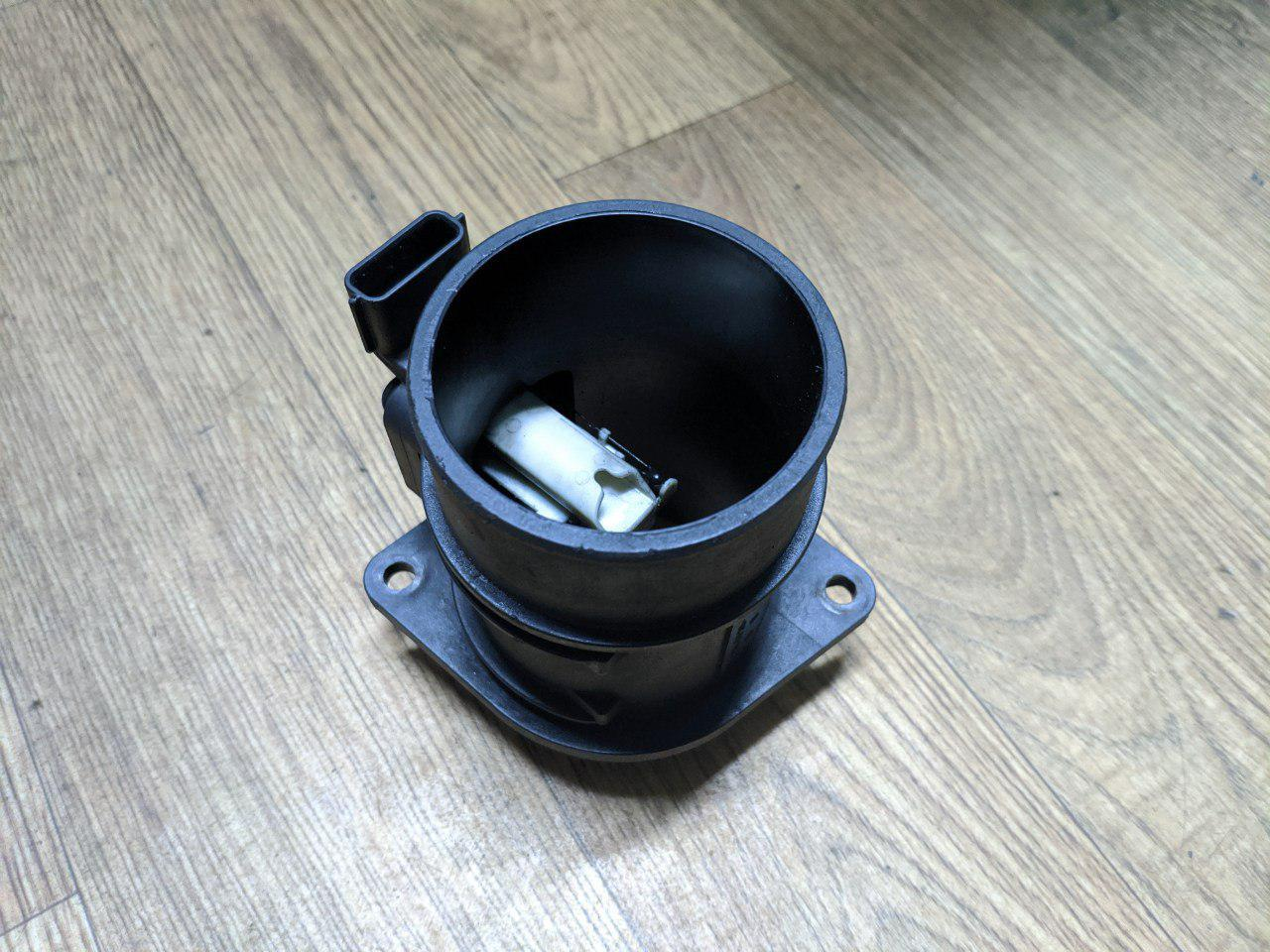 Росходомір повітря Renault Trafic, Opel Vivaro 2.0, 2.5, 2006-2011, 8200280060 (Б/У)