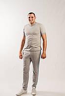 Мужской летний спортивный костюм с футболкой и брюками светло-серого цвета из хлопкового трикотажа
