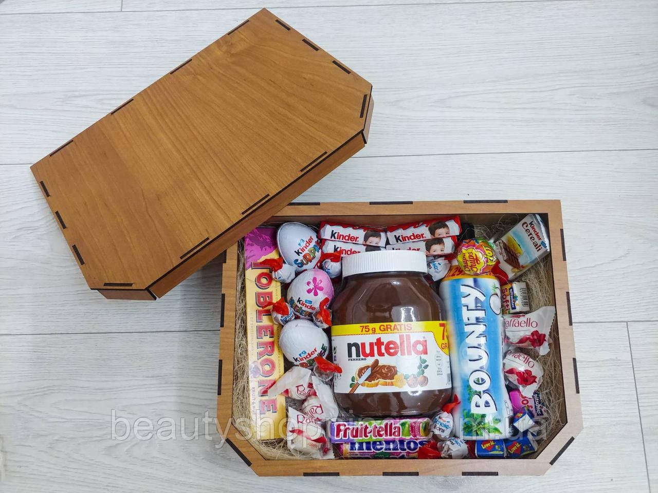 """Подарочный набор сладостей в деревянной коробке """"Макси"""""""