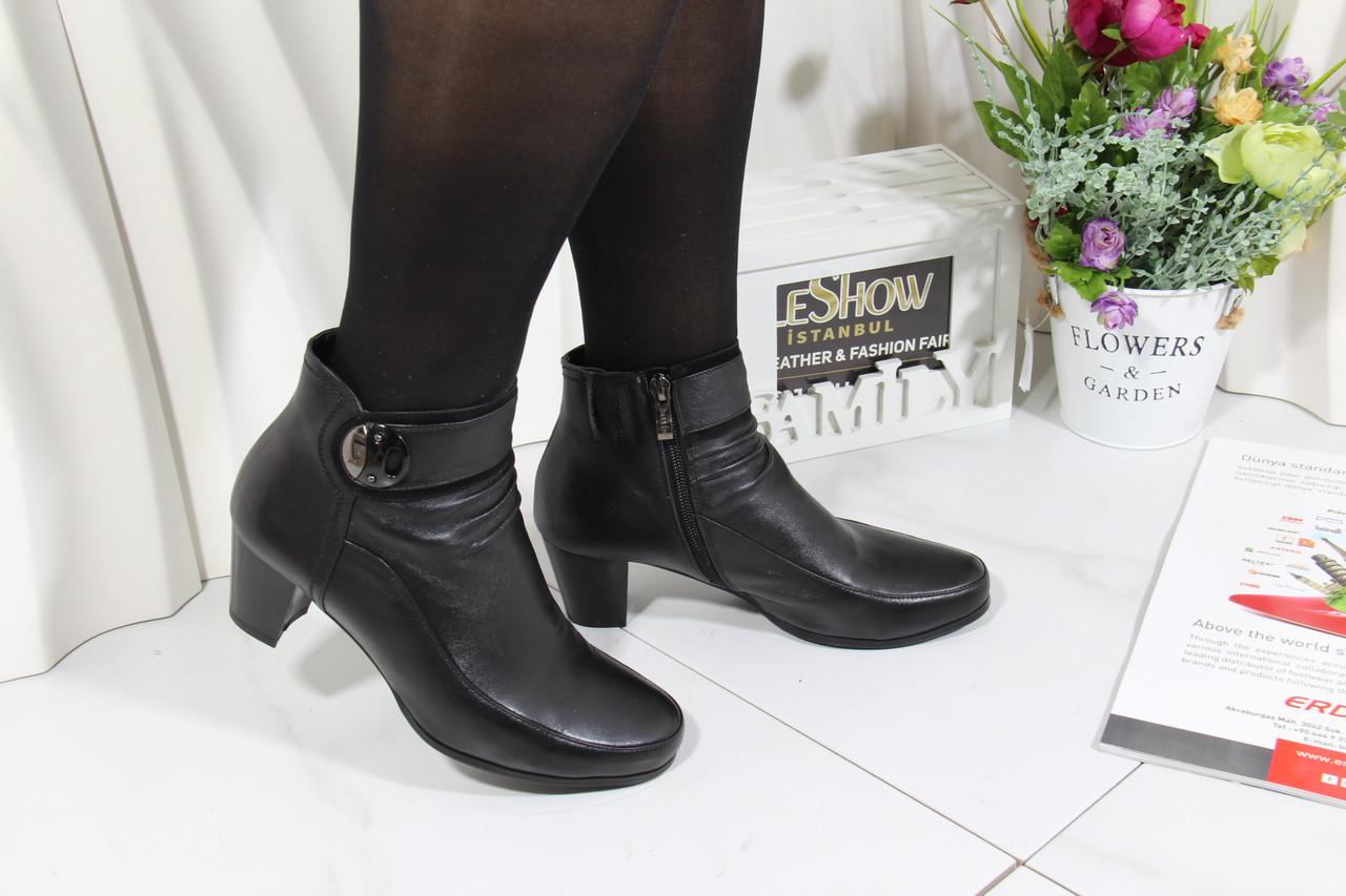 Осенние кожаные ботинки среднем каблуке Battine B486