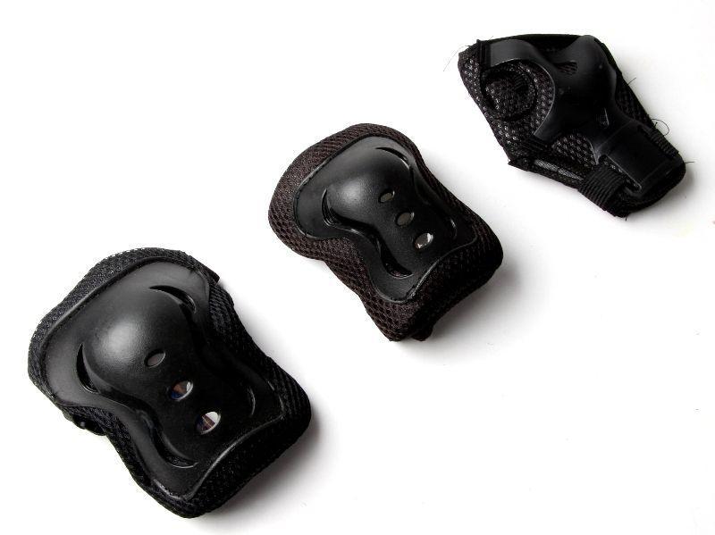 Защитная экипировка для катания Sport Series Черная