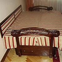 Кровать из натурального дерева 02-1