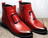Демисезонные ботинки женские без шнурков. Красные кожаные ботинки с пряжками Evromoda-Red.