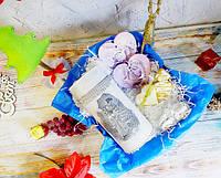 Прикольный новогодне-рождественский подарок - тубус с имбирным печеньем, елочные игрушки