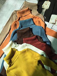 Женский теплый свитер водолазка разные цвета