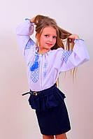 Вышитая детская блуза крестиком синими нитками