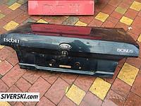 Крышка багажника Ford Escort