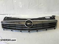 Решётка радиатора Opel Astra H
