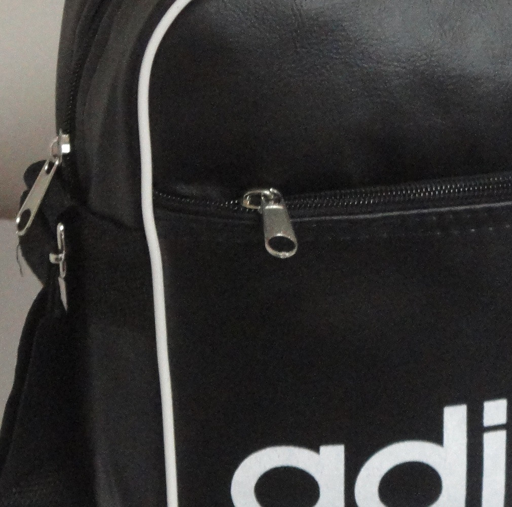 d4dbe62f3965 Молодежная сумка-планшет Adidas реплика кожзам горизонтальная, цена 200  грн., купить в Киеве — Prom.ua (ID#128555403)