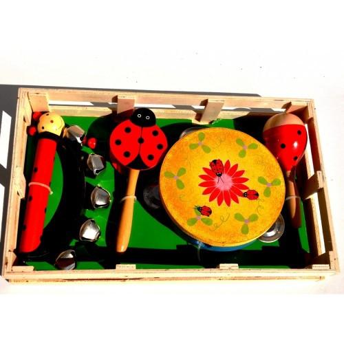 A C322 Деревянные музыкальные инструменты.