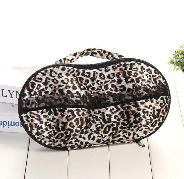 Футляр для перевозки и хранения бюстгалтеров леопардовый