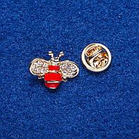 """Брошь на вкрутке """"Красная Пчелка"""" металл золотистый 1,5х2см"""
