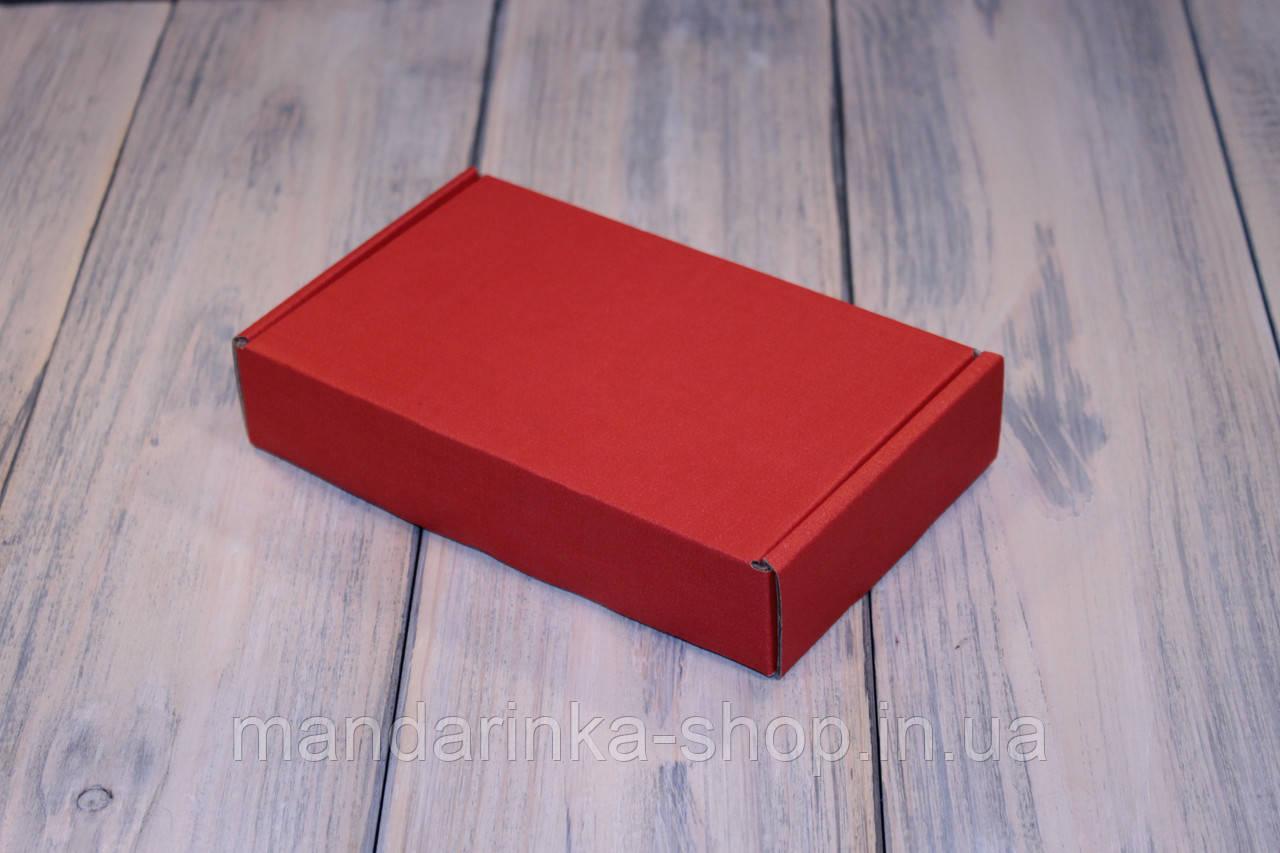 Коробка картонна 185 х 110 х 37 мм, самозбірна (червона)