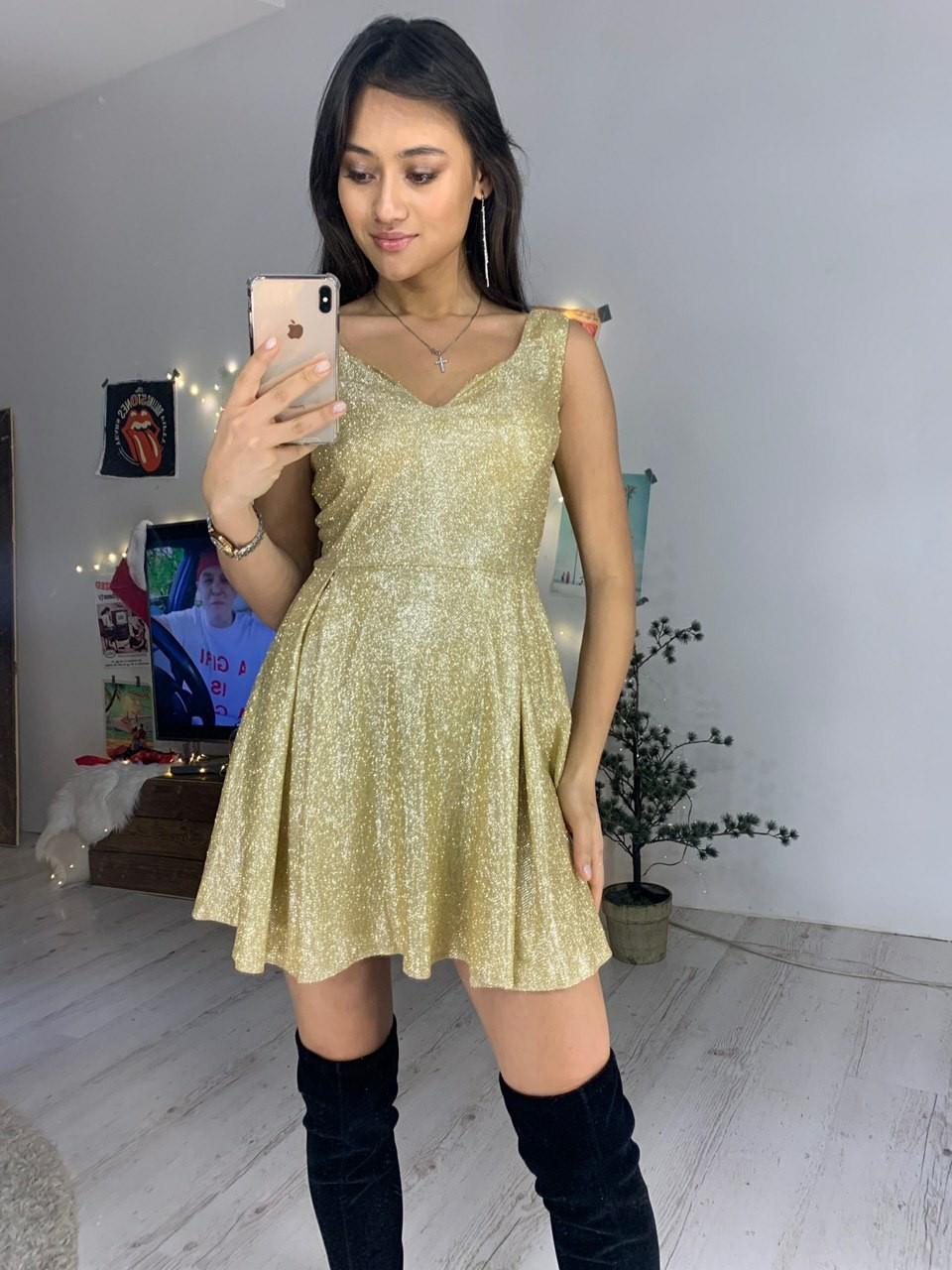 Платье из трикотажа люрекс с расклешенной юбкой и вырезом  7603554