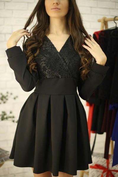 Платье с кружевным верхом и пышной юбкой 52py536