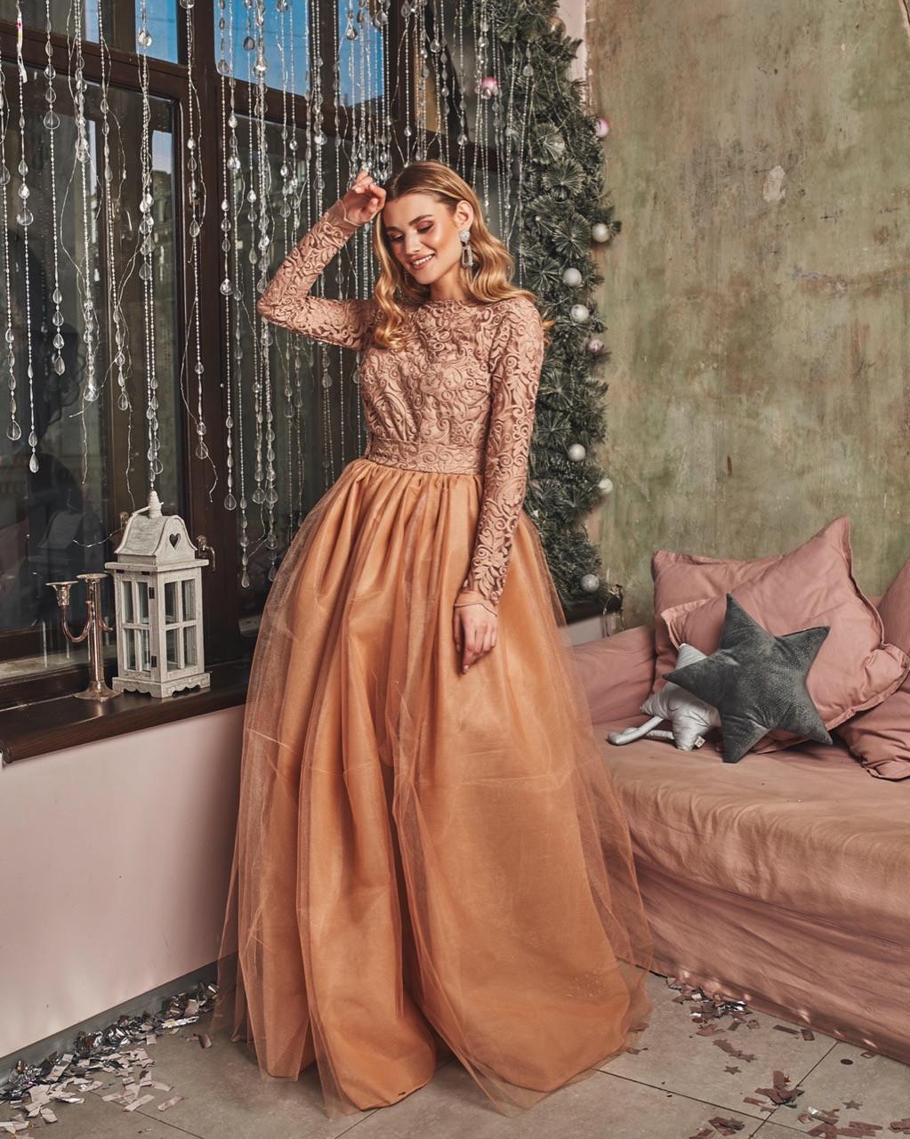 Платье макси с пышной фатиновой юбкой и кружевным верхом с открытой спиной 60plt525