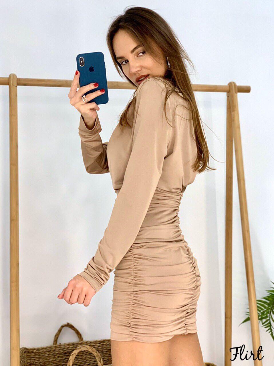 Платье с присобранной юбкой и вырезом на спине 36plt553