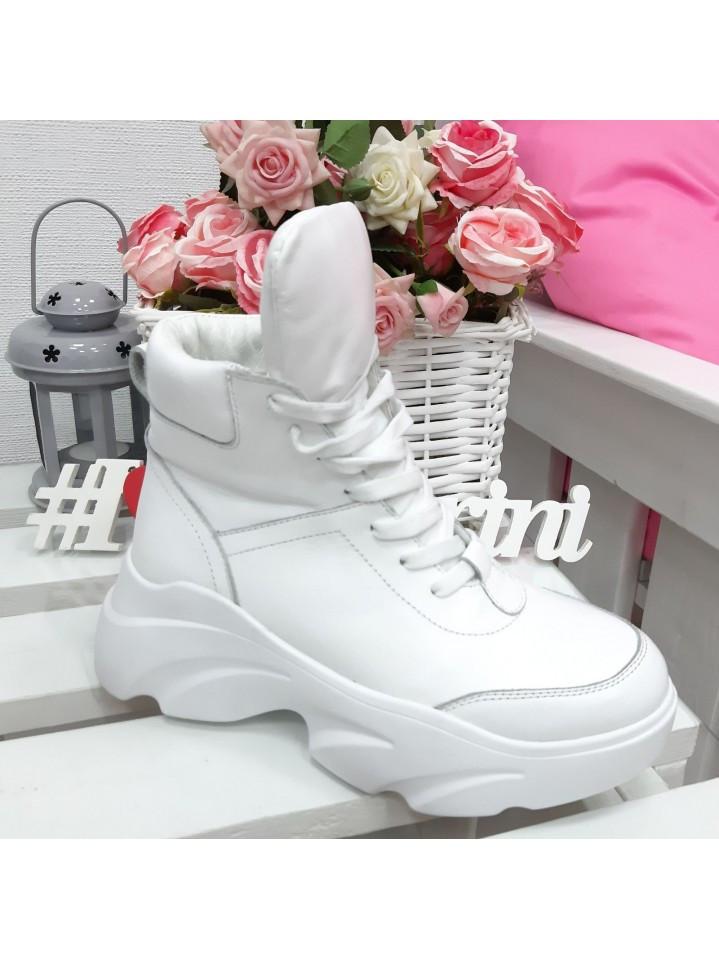 Женские кожаные белые кроссовки на рефленной подошве и на утеплителе 75OB07