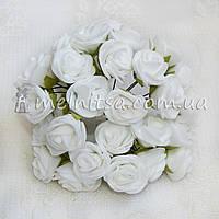 Розы из латекса, 1,5-2 см, белый