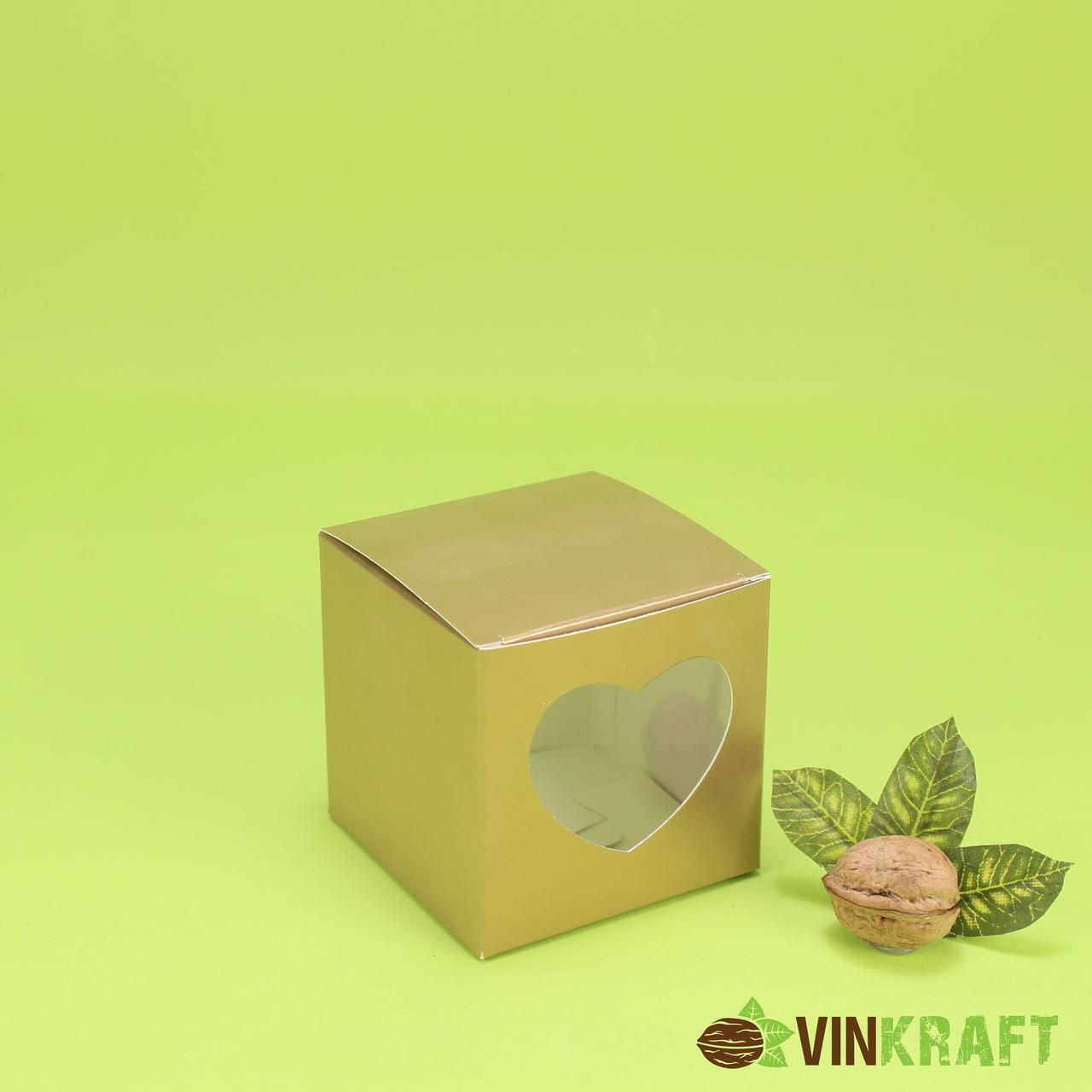 Коробка 90*90*90 для капкейків з вікном у формі серця (1 шт), золота